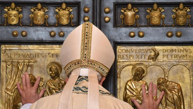 Pope Francis and Doors-3